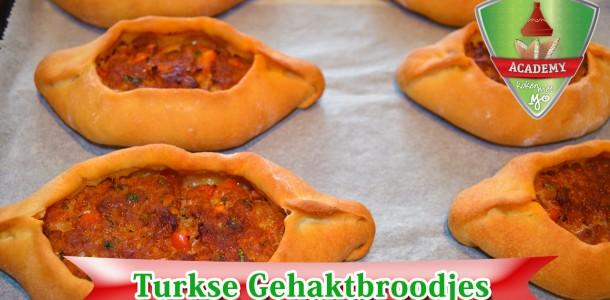 Turkse gehaktbroodjes